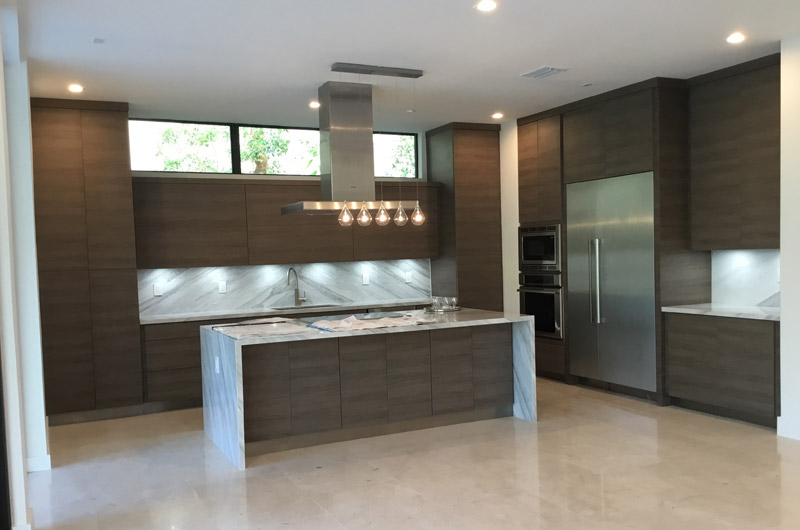 Woodgrain Custom Kitchen